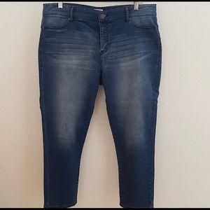 Juicy Couture Capri Jeans (14)